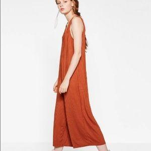 2d111714035 Zara Pants - Zara burnt orange v-neck ribbed crop jumpsuit